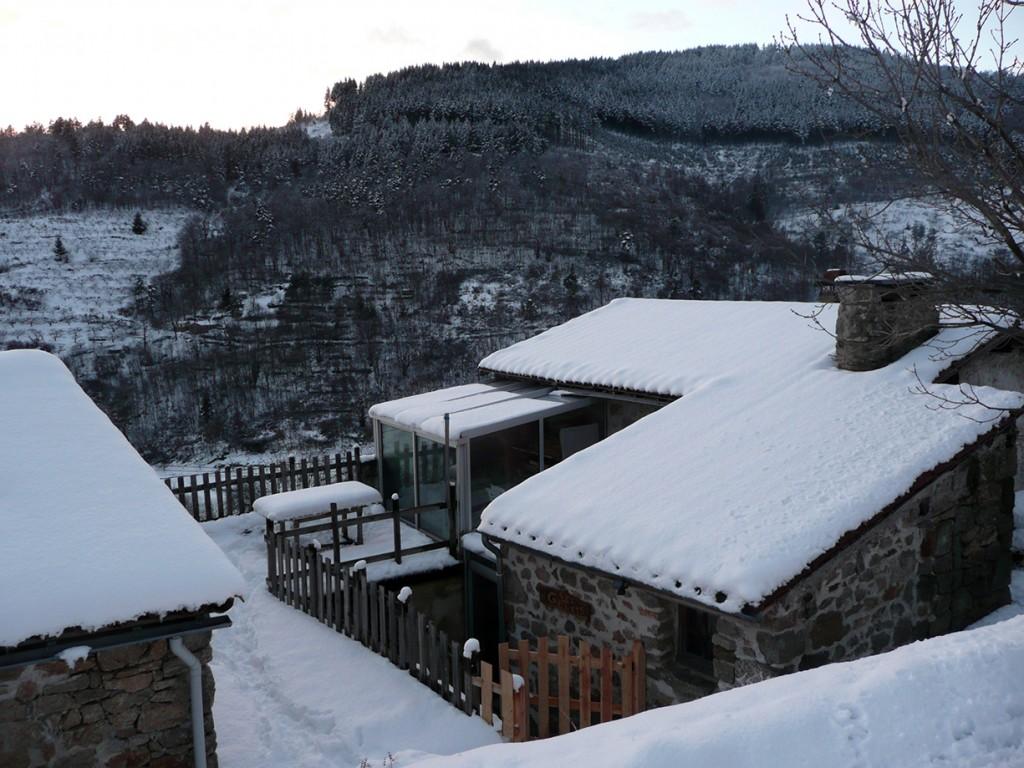 La ferme des Genêts sous la neige, au hameau des Fauries,à Arlebosc .